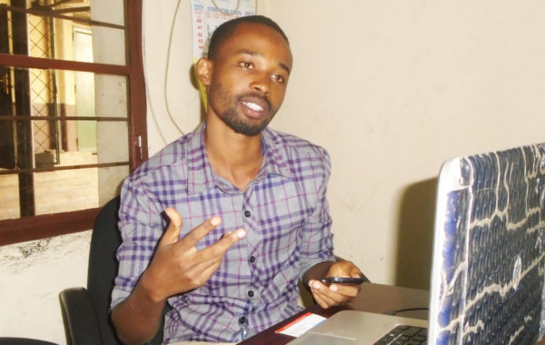 burundi eco quand les chenilles l gionnaires d automne menacent la culture du ma s burundi eco. Black Bedroom Furniture Sets. Home Design Ideas